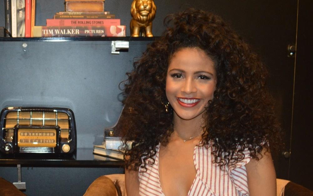b316cc134b9c4 ... inteligente, determinada e uma campeã. A teresinense de 18 anos esbanja  beleza e cor e pode ser a primeira piauiense a conquistar o Miss Universo,  ...